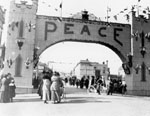 W.W.1 peace celebrations [picture] : [Jackson St. decorated for WW1 peace celebrations]